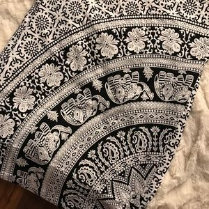 White & Black queen size tapestry